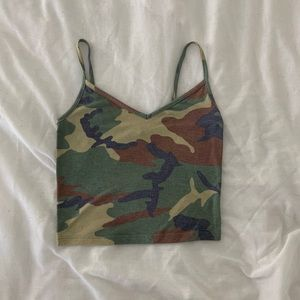 Forever 21 camouflage cropped tank